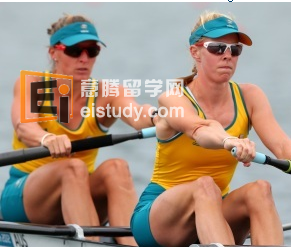 Supermum and mate do Aussie team proud.